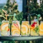 Eau de citron et de concombre