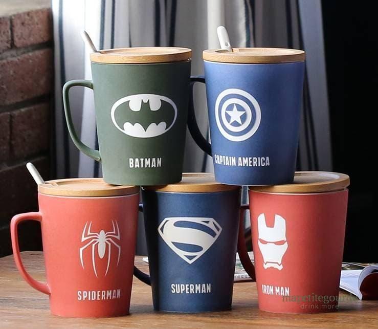 Tasse Super Hero avec couvercle et cuillère