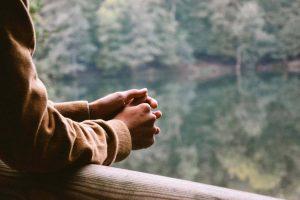 Comment contrôler l'anxiété et calmer vos pensées anxieuses