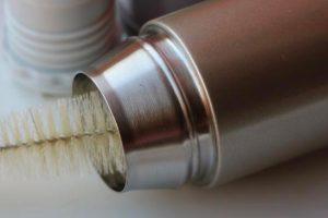 Comment nettoyer une gourde en acier inoxydable